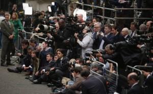 periodistas_cubriendo_un_acto_academia_getty.columnas_8